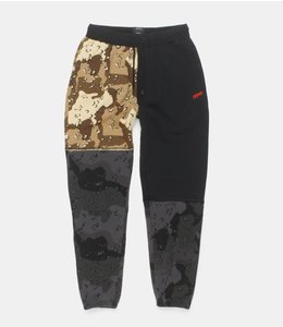 10.DEEP DAY AND NIGHT PIECED SWEATPANTS