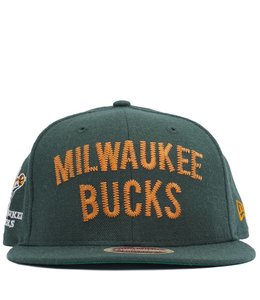 NEW ERA BUCKS HWC VINTAGE THREAD SNAPBACK HAT