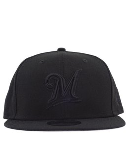 NEW ERA MILWAUKEE BREWERS BLACKOUT 9FIFTY SNAPBACK