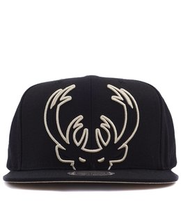 MITCHELL AND NESS MILWAUKEE BUCKS CROPPED XL SNAPBACK