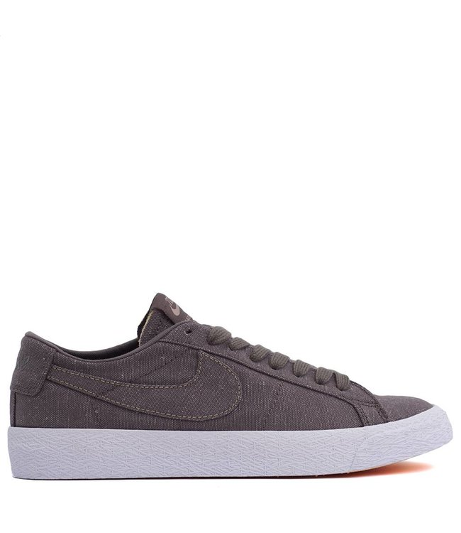 9070e3b7e890 ... where can i buy nike sb zoom blazer low decon ddbe7 4c750