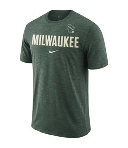 NIKE BUCKS DRI-FIT ESSENTIAL PRACTICE TEE