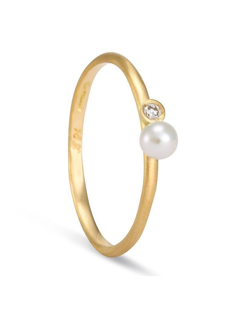 satomi kawakita jewelry mixed media pearl and white diamond ring