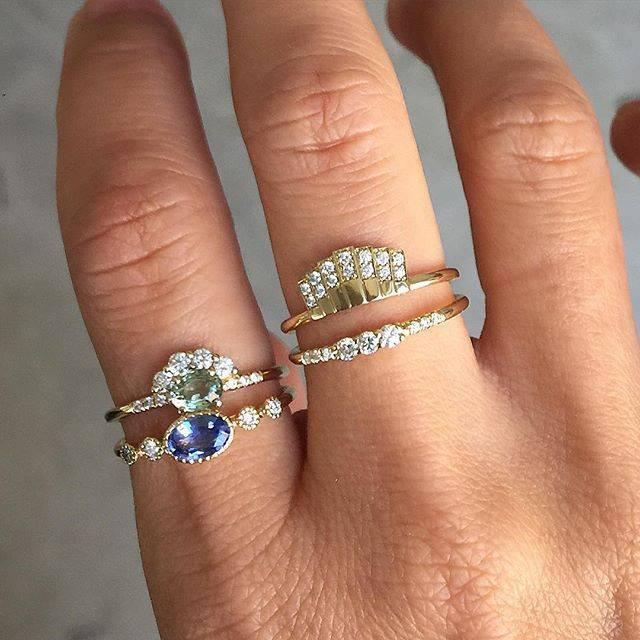 jennie kwon designs green sapphire diamond arch ring