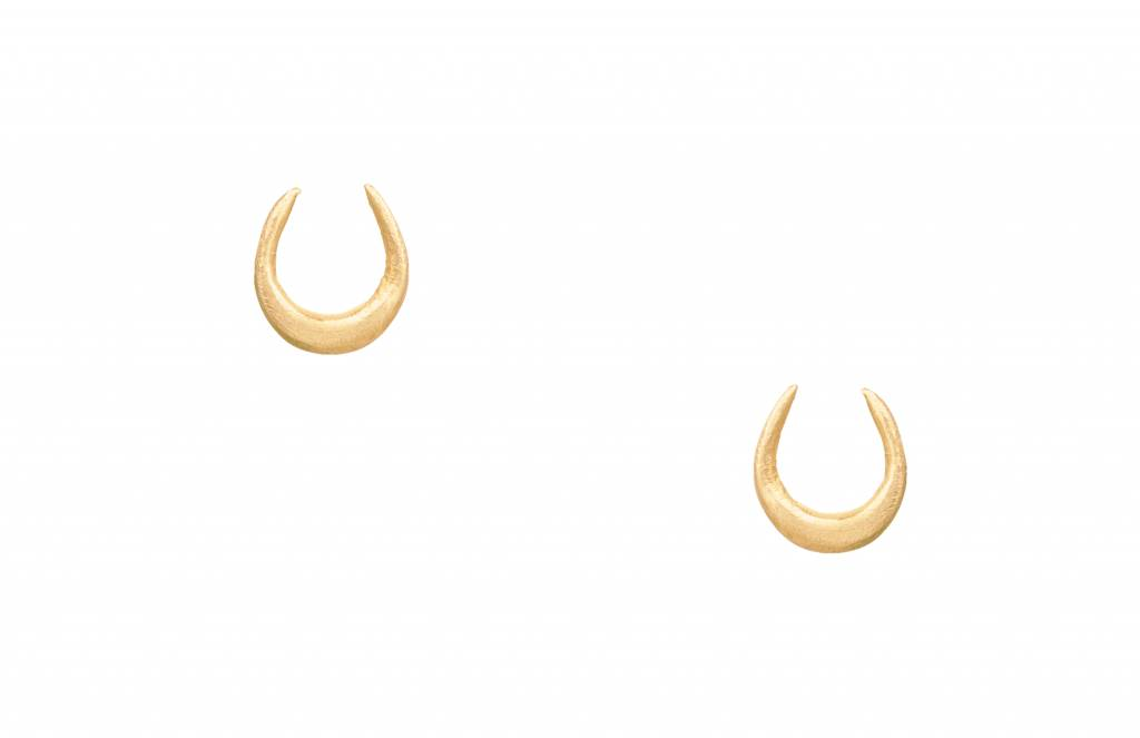 wwake horseshoe earring - single