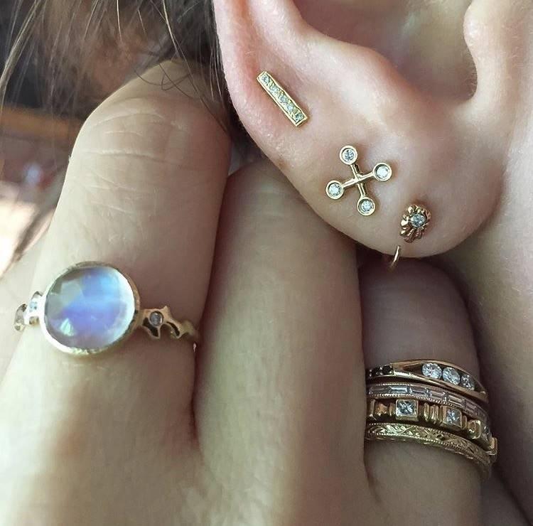 communion by joy diamond spirit hug earring (single)