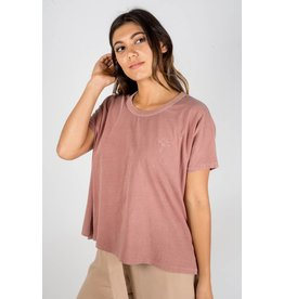 knot sisters chill out tee
