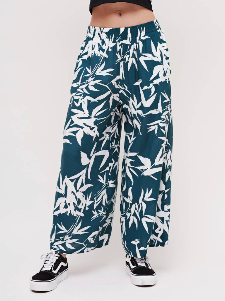obey obey calico pant