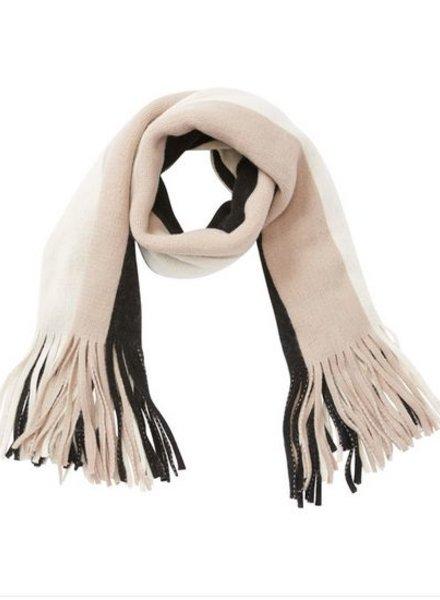 billabong on the fringes scarf