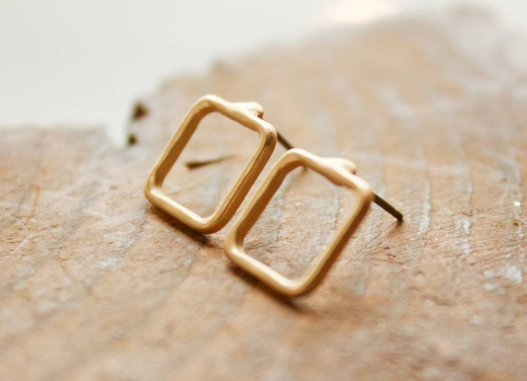 Open Square Stud Gold