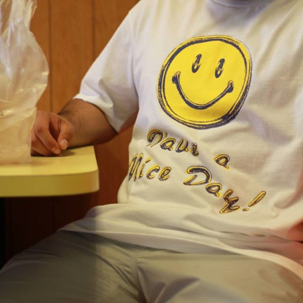 CHINATOWN MARKET HAVE A NICE DAY TEE