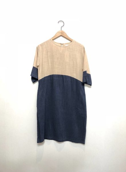 COLORBLOCK DRESS NAT/NAVY