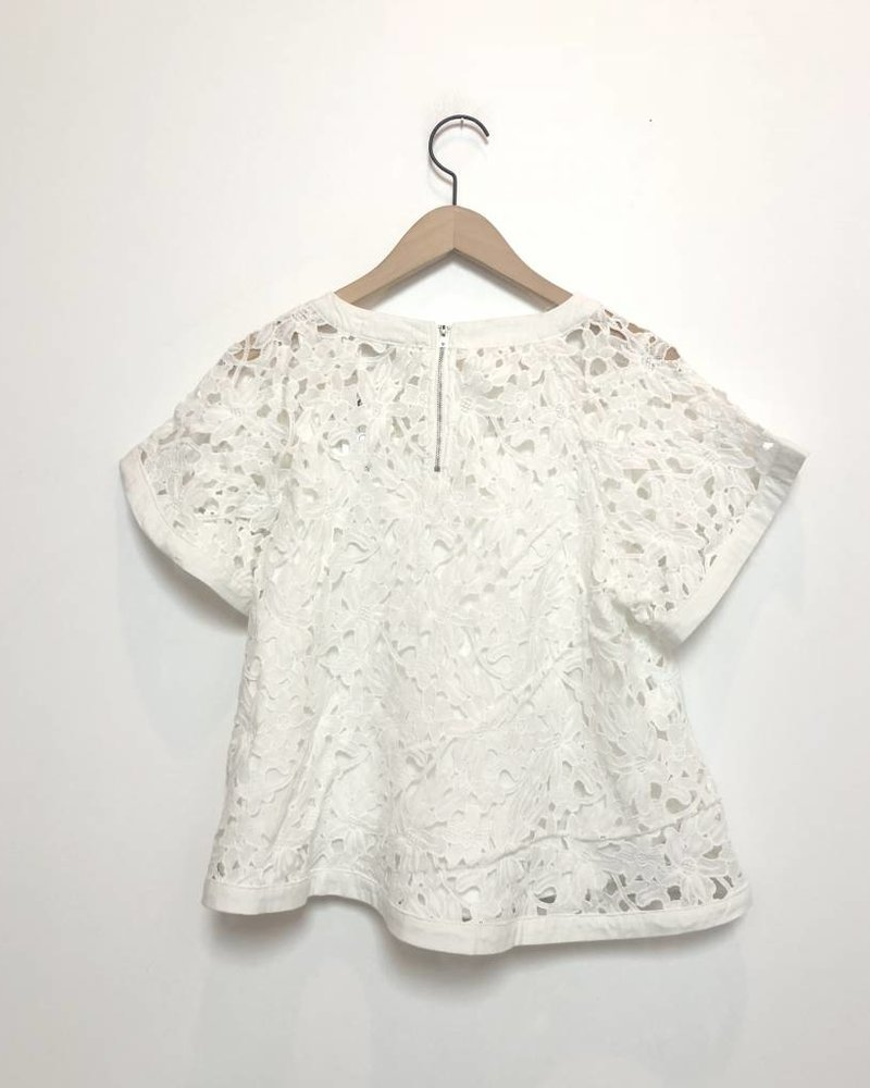 IZZY LACE TOP