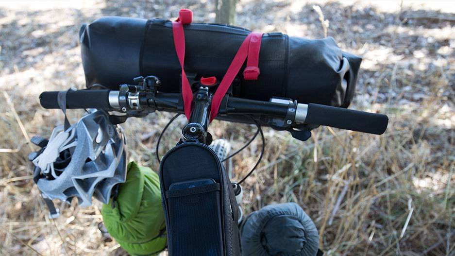Blackburn Outpost Handlebar Roll w/ Dry Bag Black