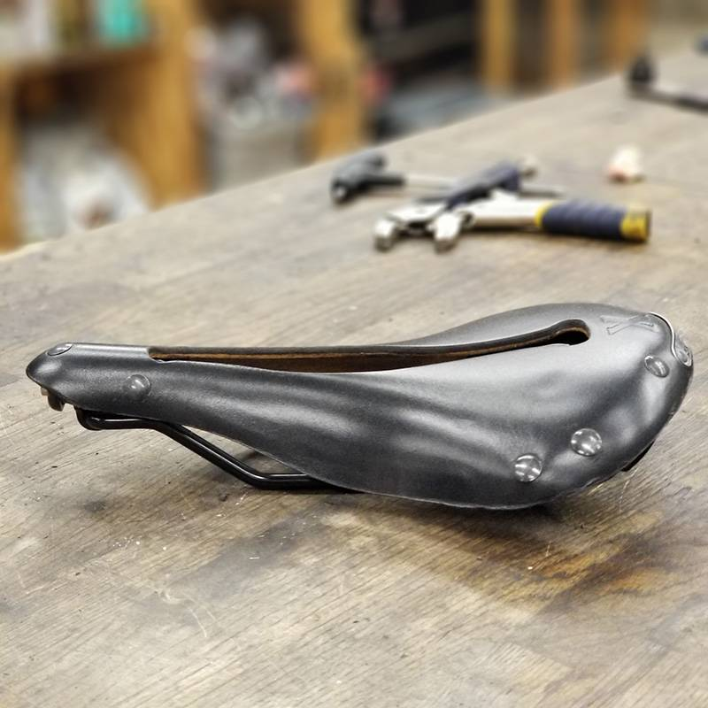 Selle Anatomica Selle Anatomica X Series Watershed Saddle: Black with Gunmetal Rivets
