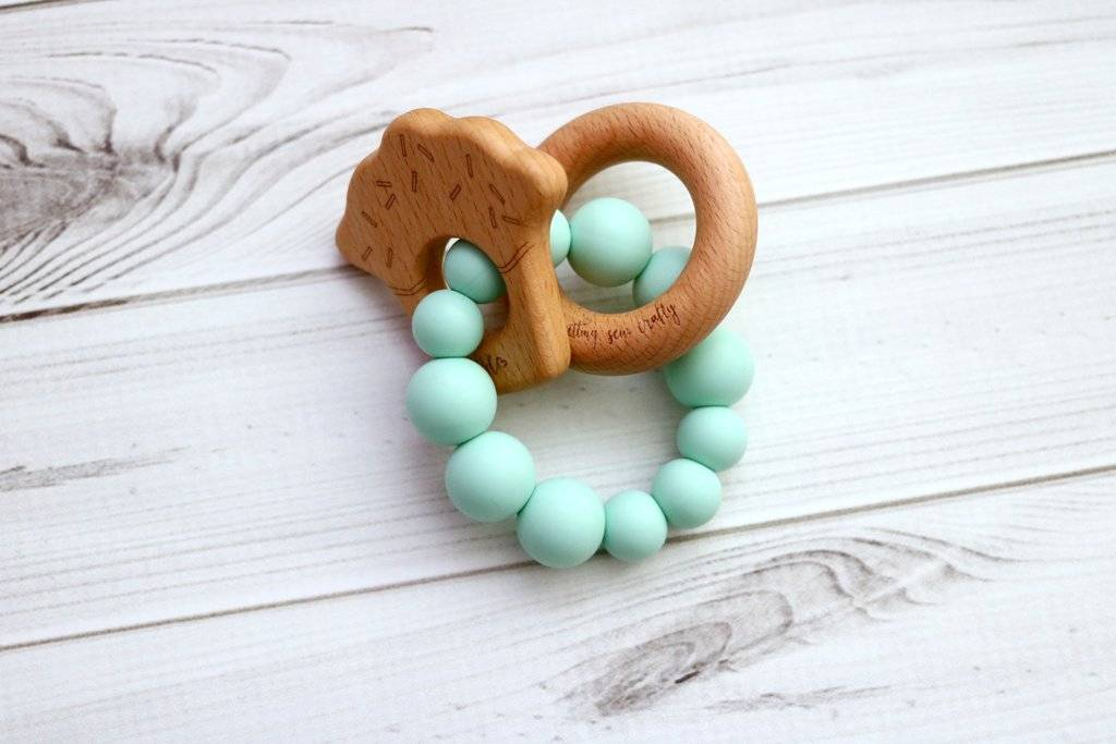 Getting Sew Crafty GSC Handheld Silcone and Wood Teether