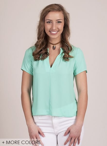 Gabbie S/S Split VNeck Top