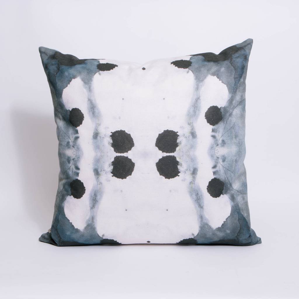 "Eskayel Dynasty Indigo 24"" Pillow"