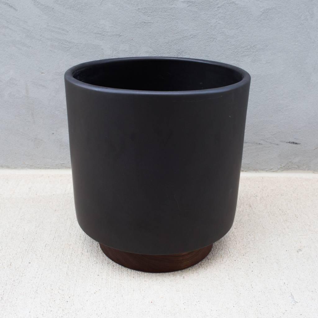 Case Study Small Cylinder Planter Wilder