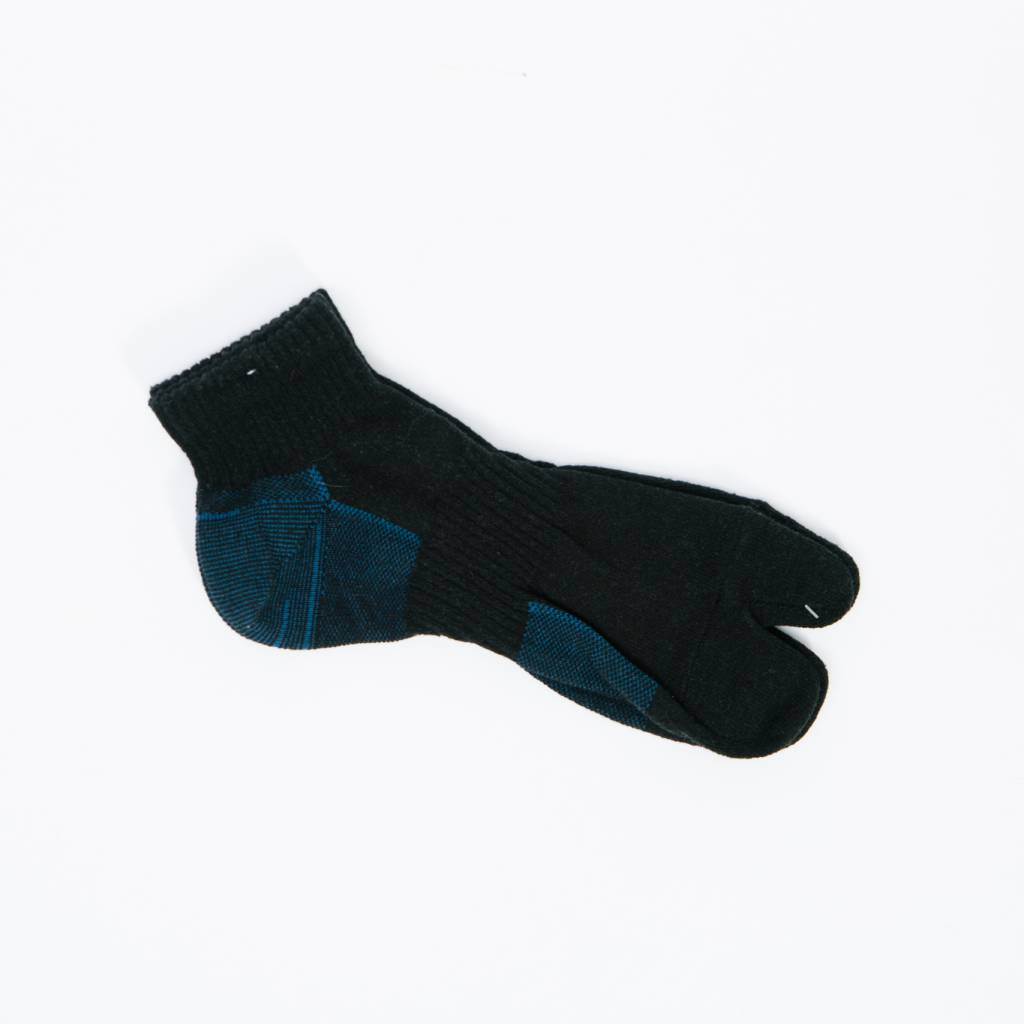 Anonymous Ism Separate Middle Socks, Black