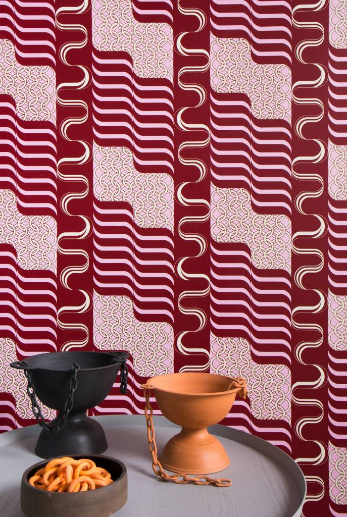"New Hat Minerva Wallpaper (27"" x 30 ft Roll) Candy Stripe"
