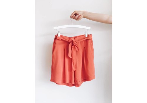 SOAKED IN LUXURY SHORT LEIGH- ORANGE