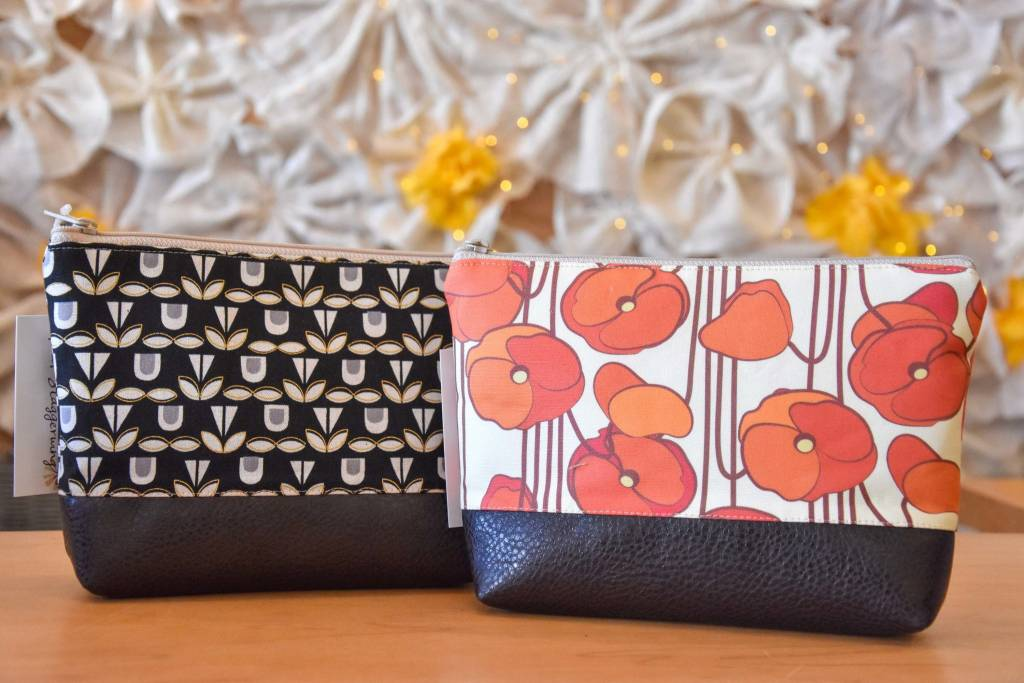 Redstaggerwing Small Cosmetic Bag Orange Flowers