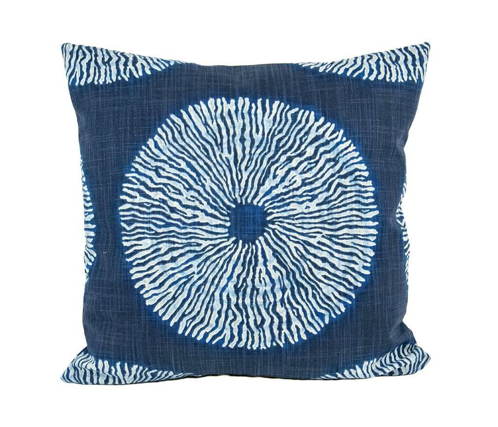 "Kreatelier Square Pillow 18""x18"" Navy/White Circle Print Cotton"