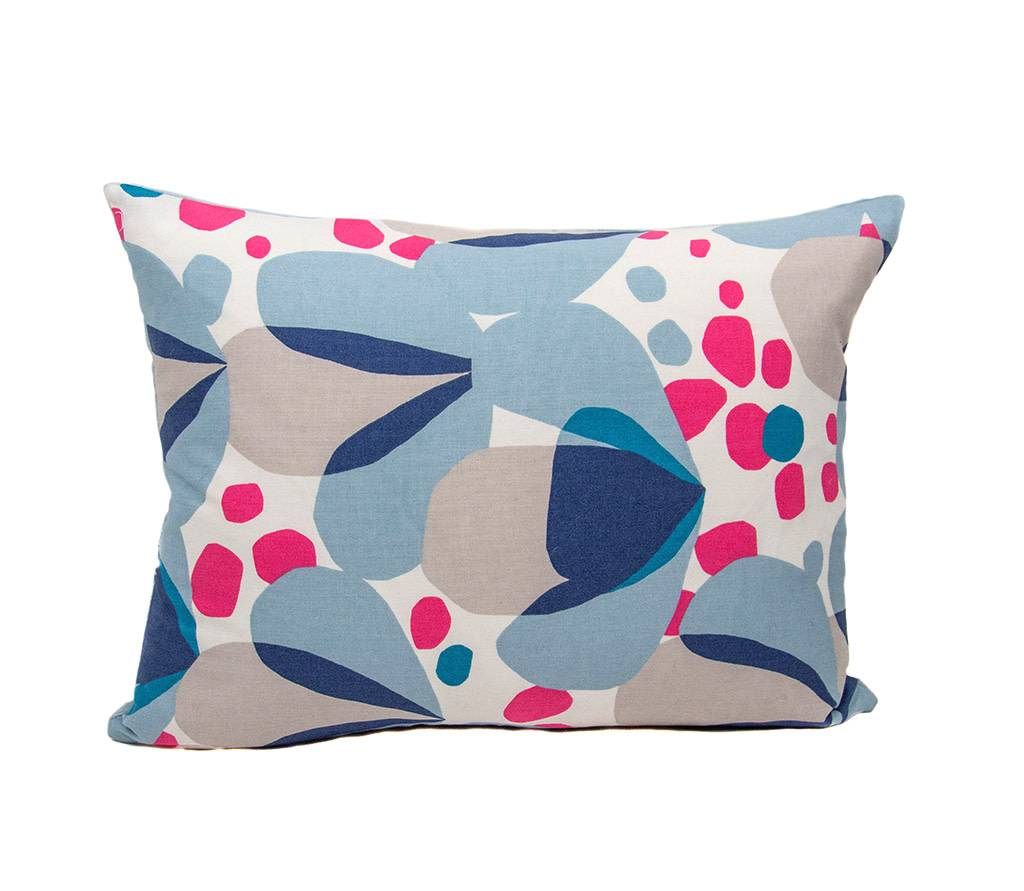 Kreatelier Alva Pillow in Blue - 15 x 19in