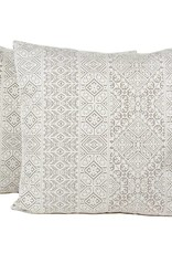 Kreatelier Mirage Pillow in Silver - 18 x 18in