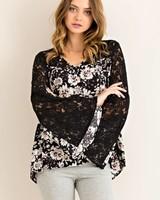 V-Neck Lace Floral Top in Black