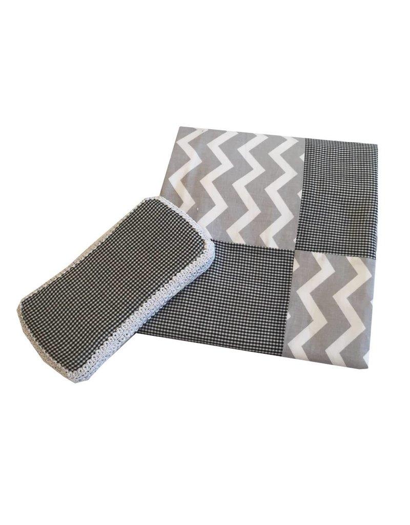 Amy's Accessories Black Gingham Blanket Set