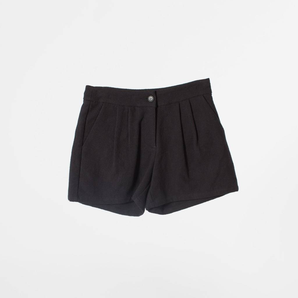 THE KORNER Pleated Shorts