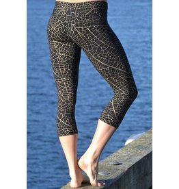 MahaDevi Malaya Yoga Tights w/Gold Leaf (Short) (Black) M