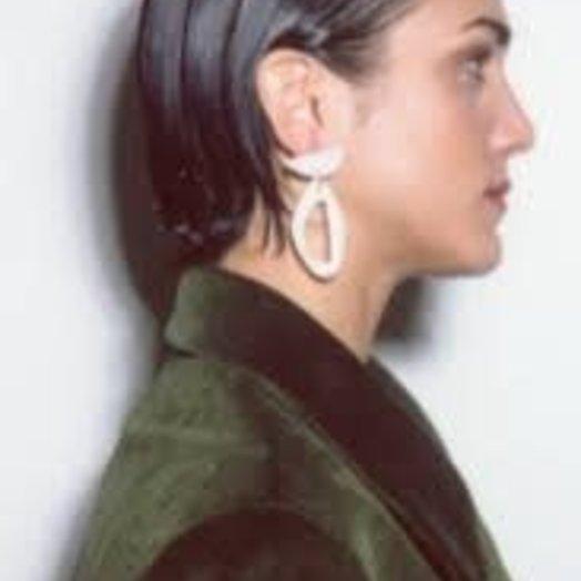 Levens Delta White Earrings