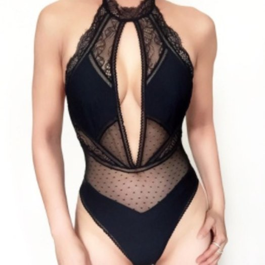 Thistle and Spire Amore Plunge bodysuit