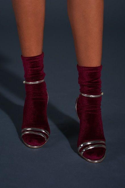 wild knottings Velvet Socks Wine