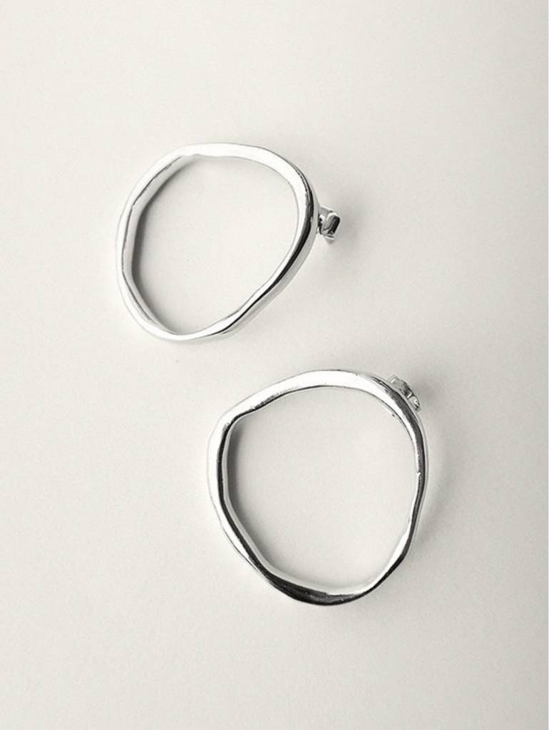 Common Muse Merle Circle Earrings