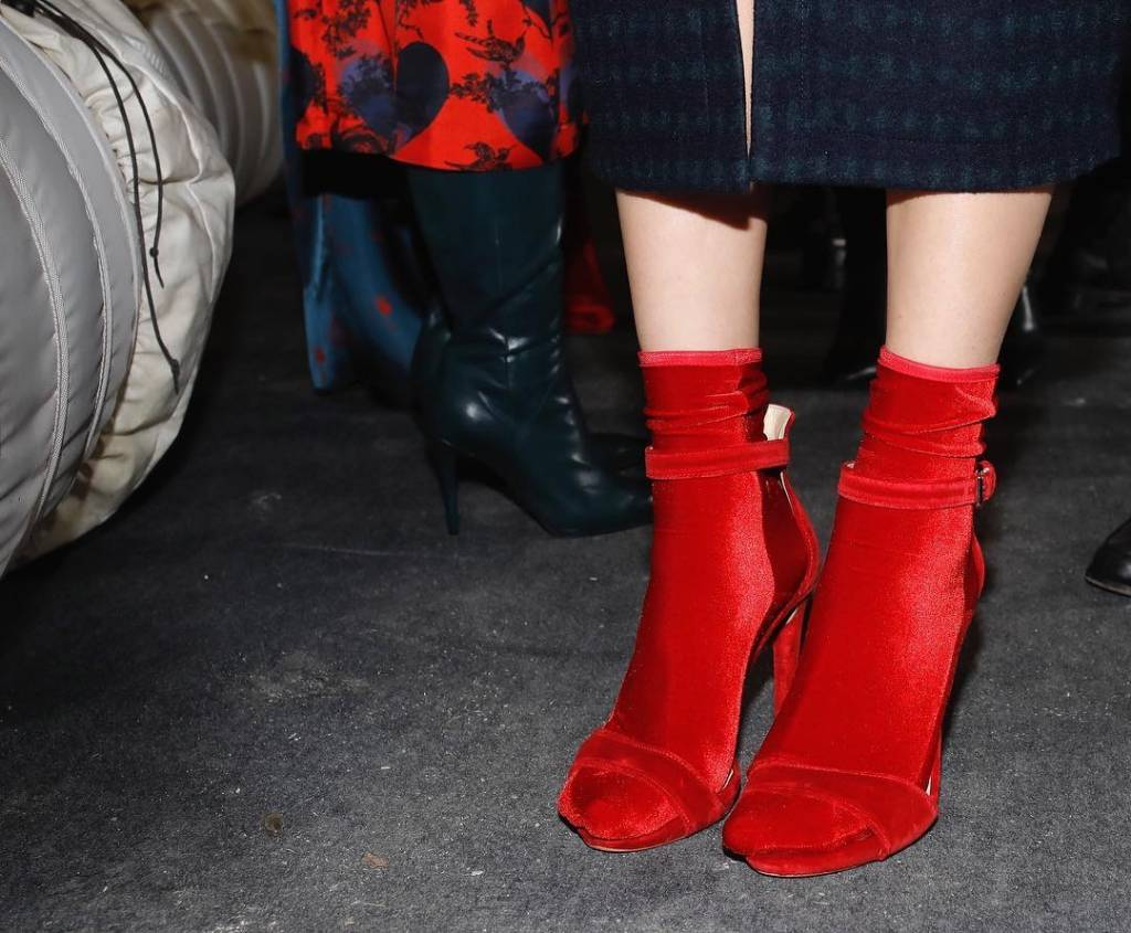 Wild Knottings Velvet Socks Fire Red