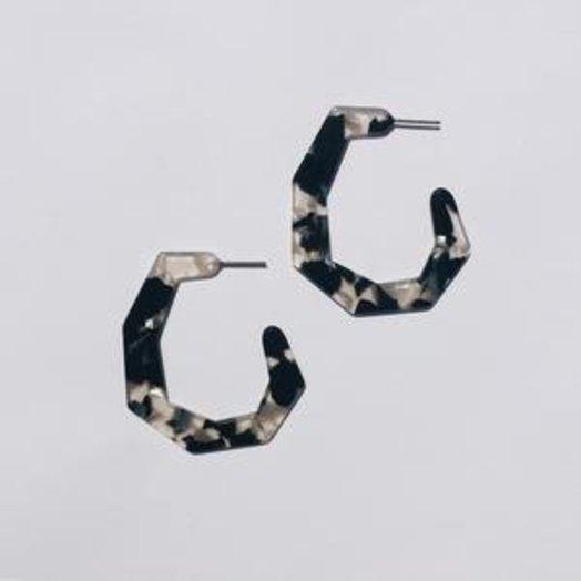 Sundara Mar Jackie Earrings in Noir Tortoise
