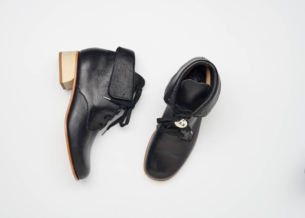 Post Sole Studio Cricket Boots in  Black Napoli Leather