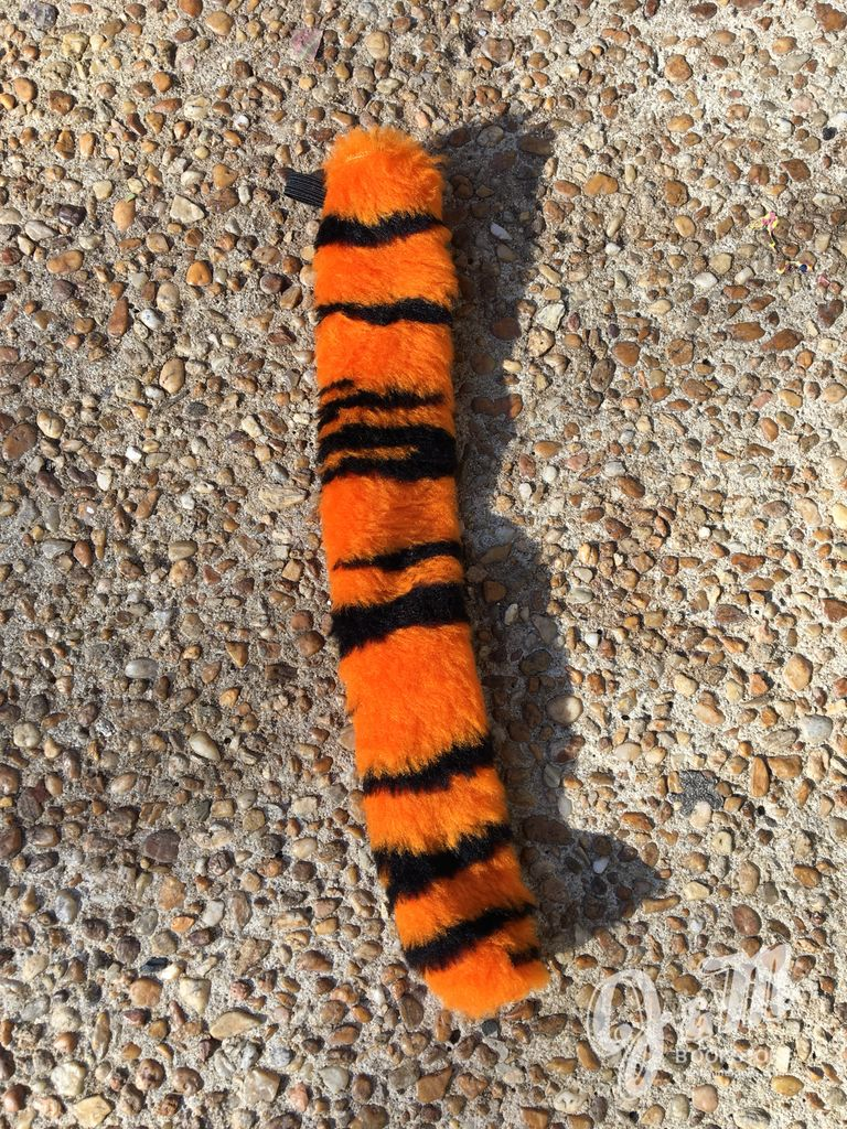 Short Tiger Tail