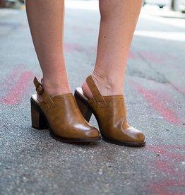 New tan clog w/heel strap