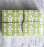 Favorite Story Tulip Gift Wrap