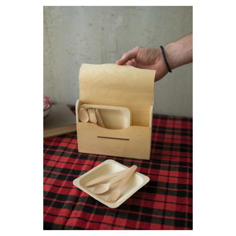 Kalalou Picnic Set in Wooden Box