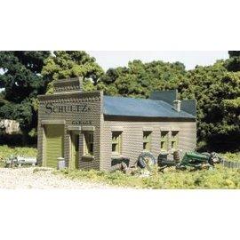 Woodland Scenics DPM Schultz's Garage  HO
