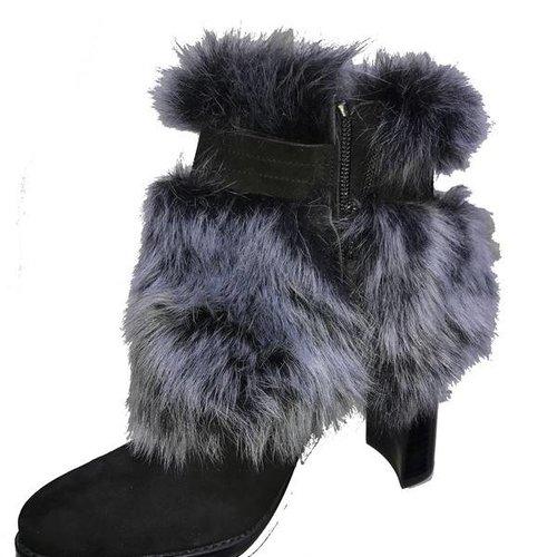 STUART WEITZMAN GoFurIt Boots