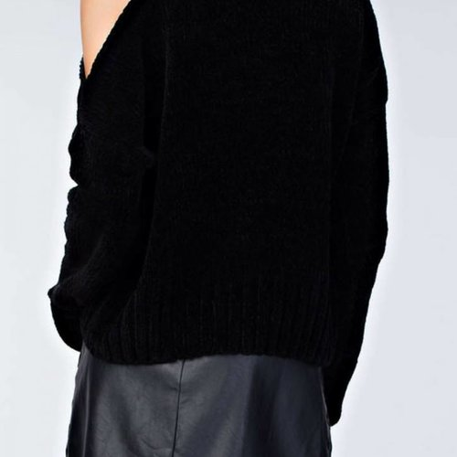 honey punch Sweater With Shoulder Cutout
