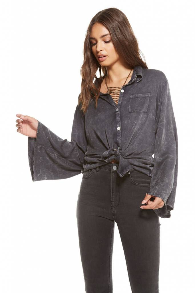 Chaser Heirloom Womens Bell Sleeve Button Up Shirt in Black