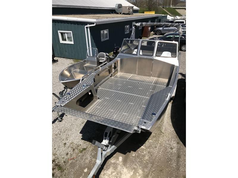 Stanley Pulsecraft 22 Aluminum Boat